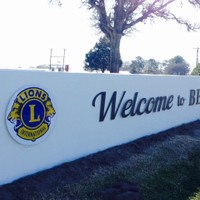 The new Welcome to Bellville sign donated by our club at the golf course!