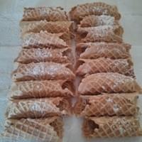 One dozen pizzelle cannoli shells