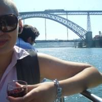 At 18 I shaved my head and then went to Portugal for 1 month with my bestfriend on a volunteering project. This is me in Porto, rocking my new haircut.