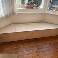 Bay window seat with storage