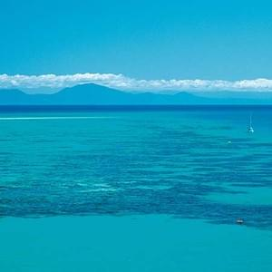 great barrier reef backpacker deals