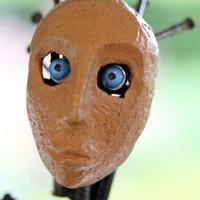 l'Homme au masque de terre - détail