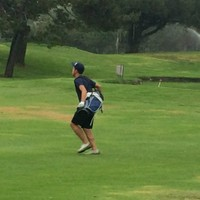 Kim Cruz moving through his first Speedgolf round at The Lakes in El Segundo