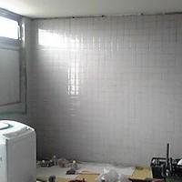 レストラン厨房壁施工後