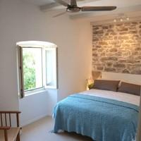 Schlafzimmer mit Double Bed (140x200)