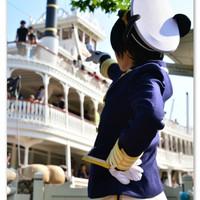 「ミニー、僕達はあの船にのって旅をするんだよ!!」