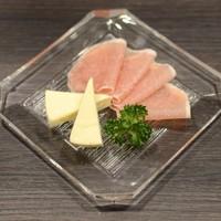 生ハム&チーズ ¥500