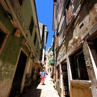 Street Grisia in Old Town