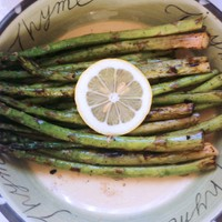 Grilled asparagus with red wine vinegar reduction