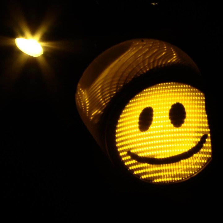 smily traffic light