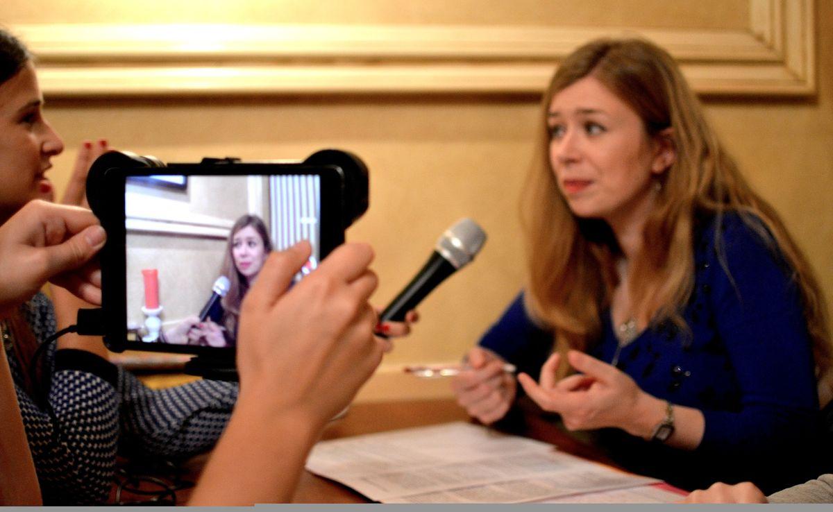Rencontre avec Aurore Van de Winkel, spécialiste belge des rumeurs et des légendes urbaines.