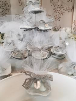 First Holy Communion/baptisme antique lace embossed almond dragée dish wrapped in tulle with a silver religious charm