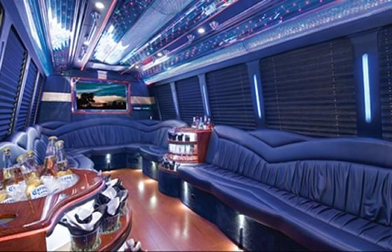 Stretch limo, SUV, airport limos, LAG, JFK, NWK, NYC limo strippers