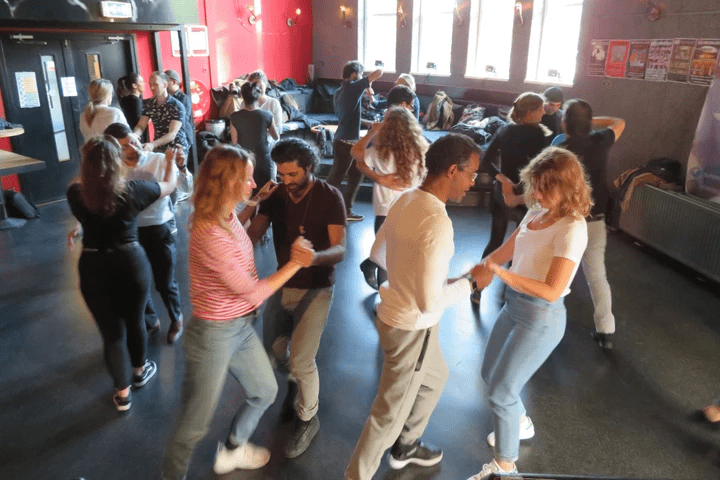 salsa amsterdam group lessons