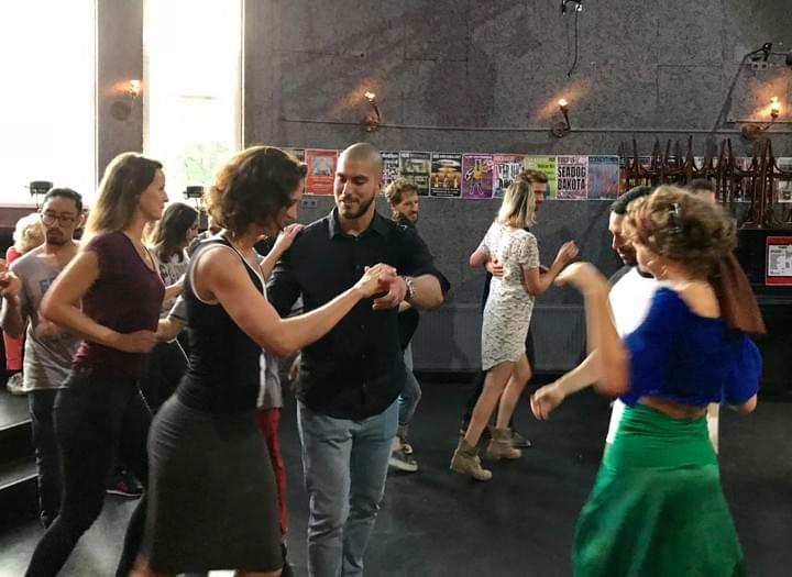 Cuban salsa dance classes at Punto Cubano in Amsterdam