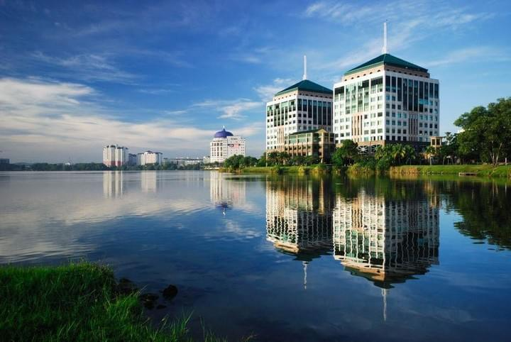 Wisma-Minlon-Mines-Waterfront-Office-Mines-2-The-Heritage-Office-Tower-Wisma-Hua-Zhong-Seri-Kembangan-Office-Space