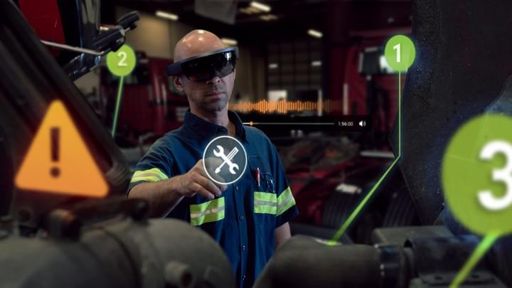 Mechanic using virtual reality technology for training