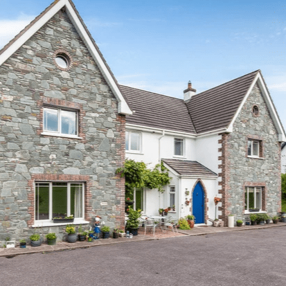 Colbert & Co Estate agents are delighted to present this wonderful home to the open market. Feargalss House is a spacious 2,800 sq/ft property set upon just under one acre of secluded land. Your grounds are delicately landscaped with gated entrance to ensure privacy. Lisgoold is short 10-minute commute from Midleton town but also has easy access to surrounding areas such as Glanmire, Carrigtwohill and Little Island. The village itself is only a 2-minute walk away and hosts a shop, pub and church. It is a quiet and beautiful area, perfect for forest walks and those who love the country life yet close enough to modern living.