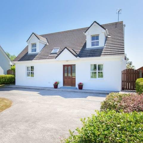 HOUSE FOR SALE IN AGHADA, CO CORK