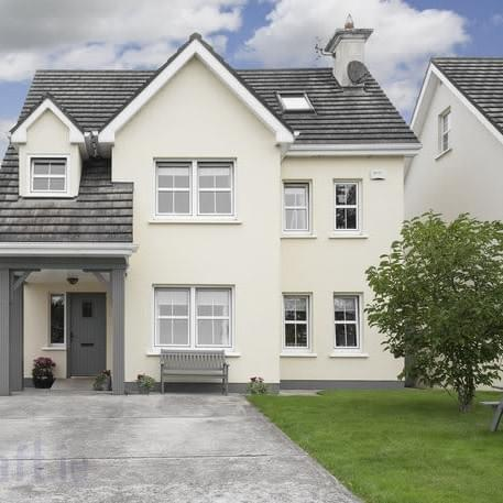 HOUSE FOR SALE IN BROOMFIELD, MIDLETON