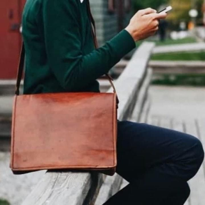 NOMAD Leather Messenger
