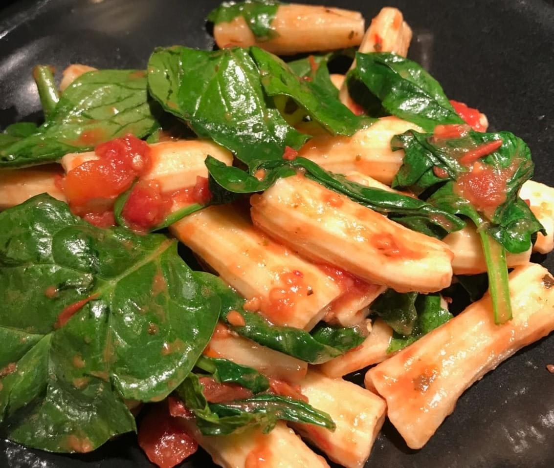 Spinach and rigatoni are the perfect partners for that sauce.