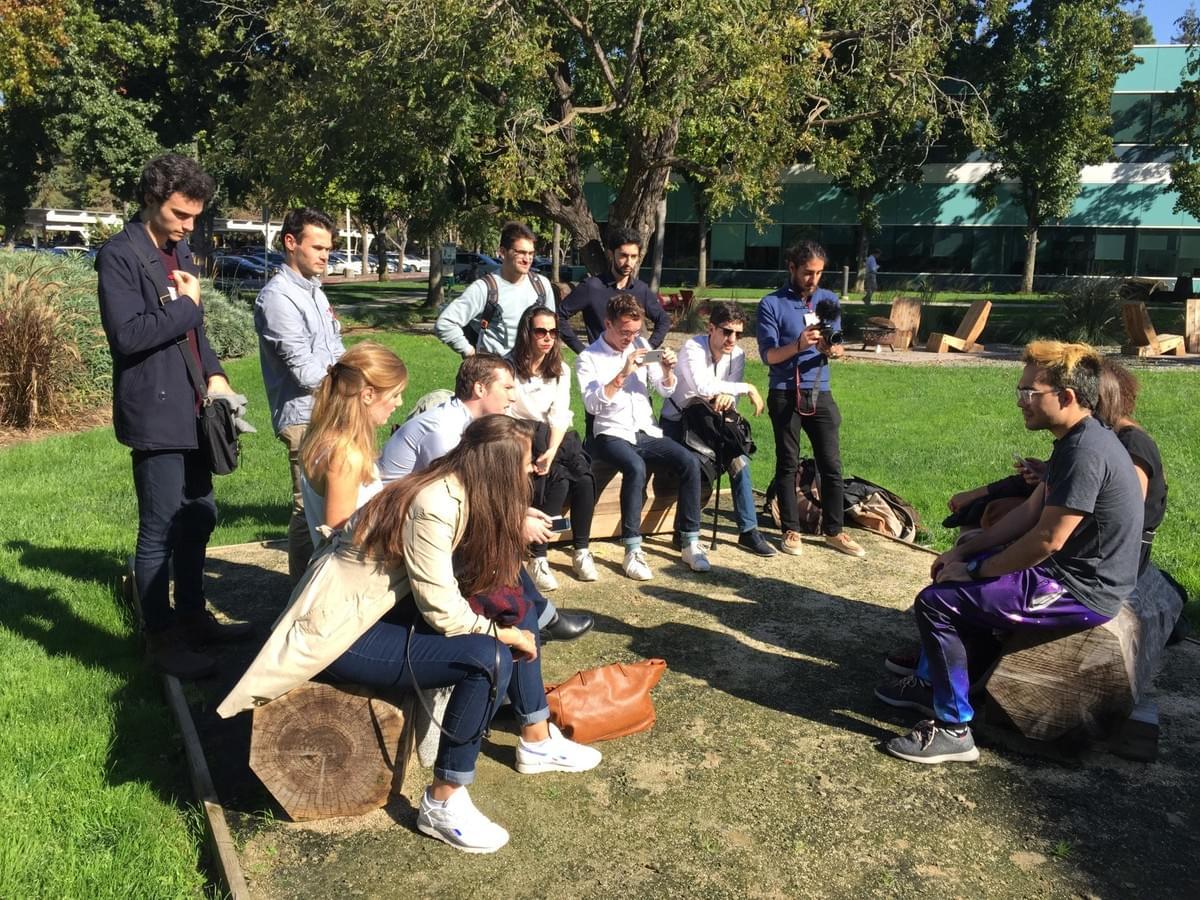L'équipe à la rencontre de Diogo Almeida, sur le campus de Google. Crédit photo Yael Ben Ayoun