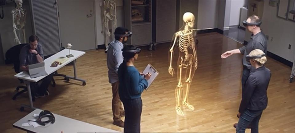 Case Western Reserve University Engineers collaborated with the medical school to create an incredible Holo anatomy app. The University is now seeking to commercialize its invention.