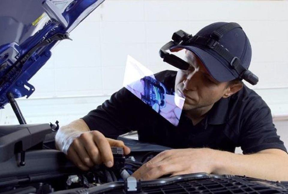 BMW To Augment US Dealer Service With AR