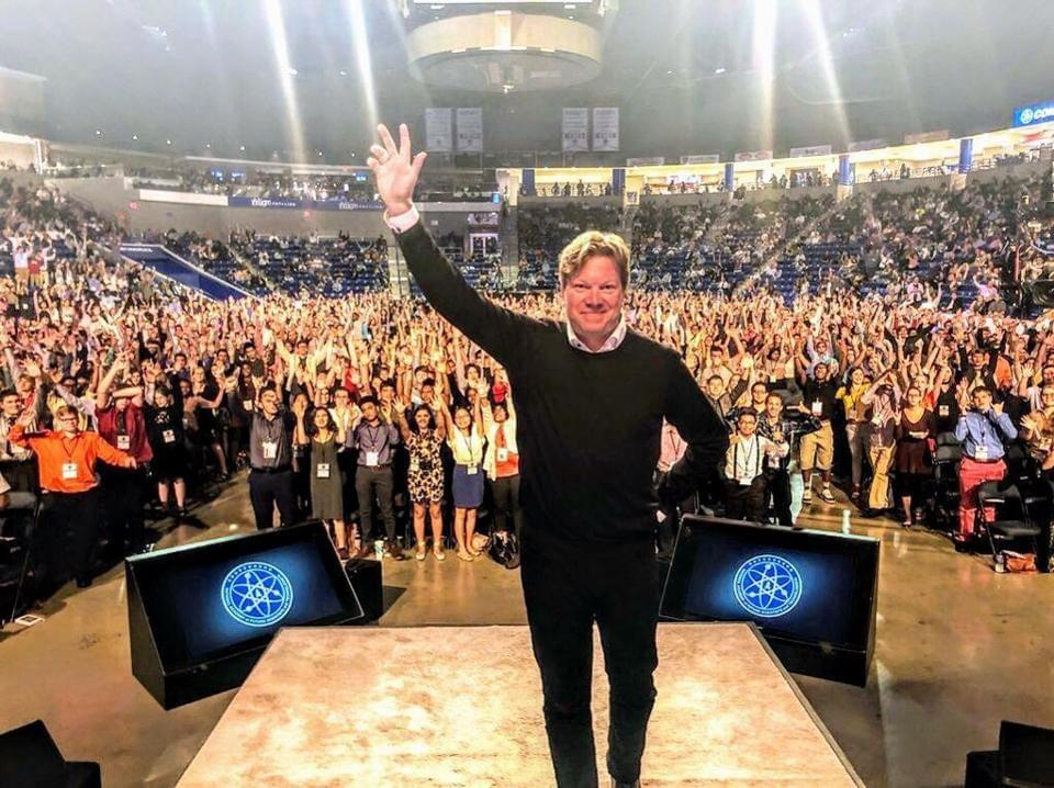 Steiber at the 2018 Congress of the Future, where he gave a keynote speech to 4,000 high school students outside Boston, Massachusetts. RIKARD STEIBER