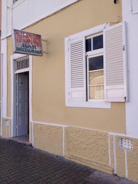 Bar/Restaurant Estrela is a famous spot in Mindelo