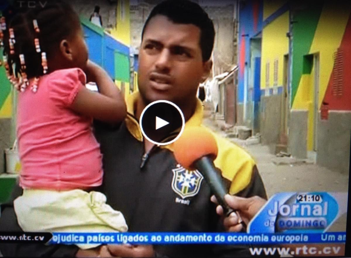 Interview on national tv in Cape Verde about the Sonvela Arte project