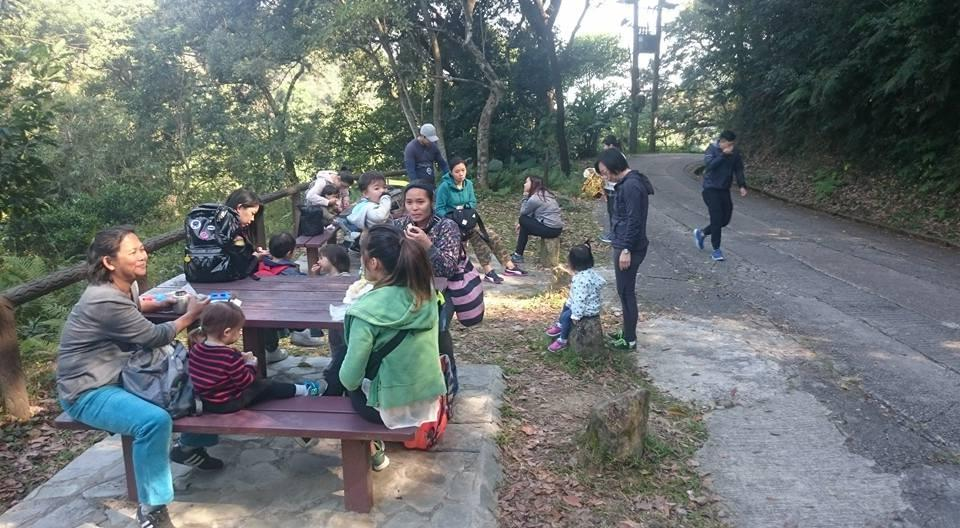Taking a snack break in the Tai Po Kau Nature Reserve half way through our hike