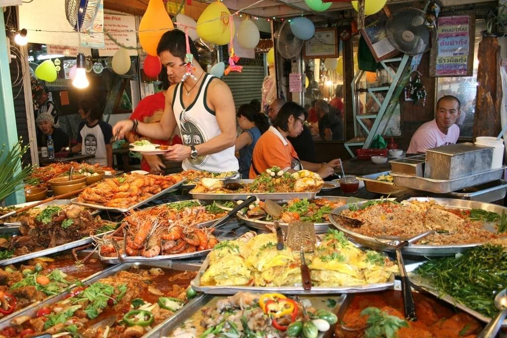 https://www.bonappetour.com/blog/10-bangkok-street-foods-that-you-need-to-try/