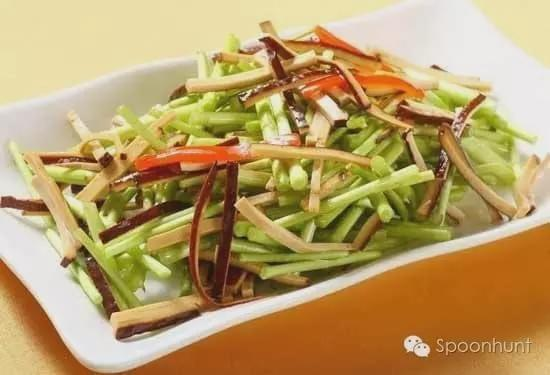 Nanjing 南京 China signature dinner Green Beans with Stir Fried Tofu 芦蒿炒香干