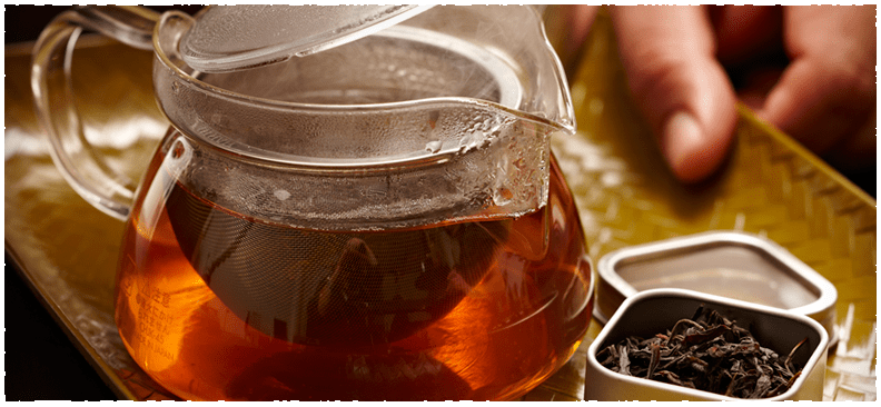 Brewing Black Tea in China 红茶. Chinese tea steeping.