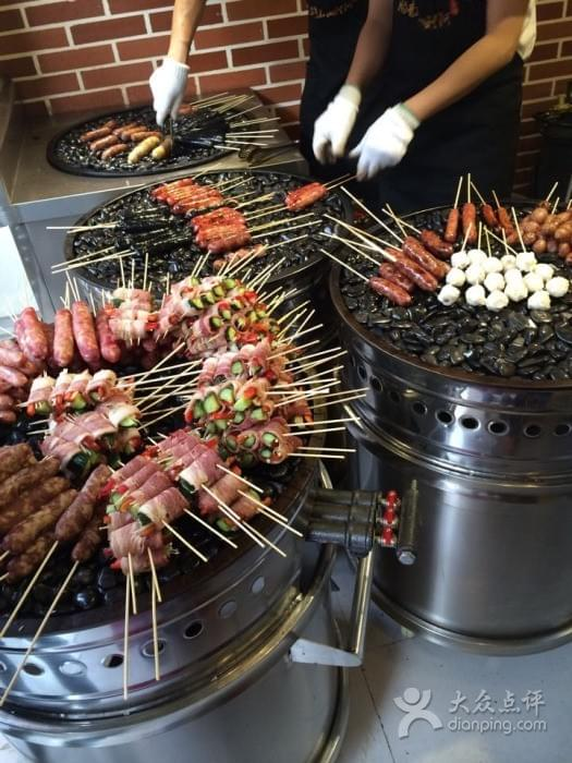 Taiwan Ali Mountain Stone Roasted Sausages near Green Lake 翠湖 in Kunming 昆明 Best Food and Restaurants in China on Spoonhunt Travel Food Guide