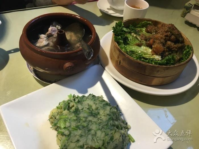 Yi De Dianchi Scenery Restaurant near Yunnan Nationalities Village 云南民族村 in Kunming 昆明 Best Food and Restaurants in China on Spoonhunt Travel Food Guide