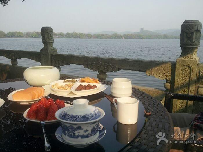 Lakeside Tea House in Hangzhou 杭州 Near West Lake 西湖 Best Food and Restaurants in China Spoonhunt