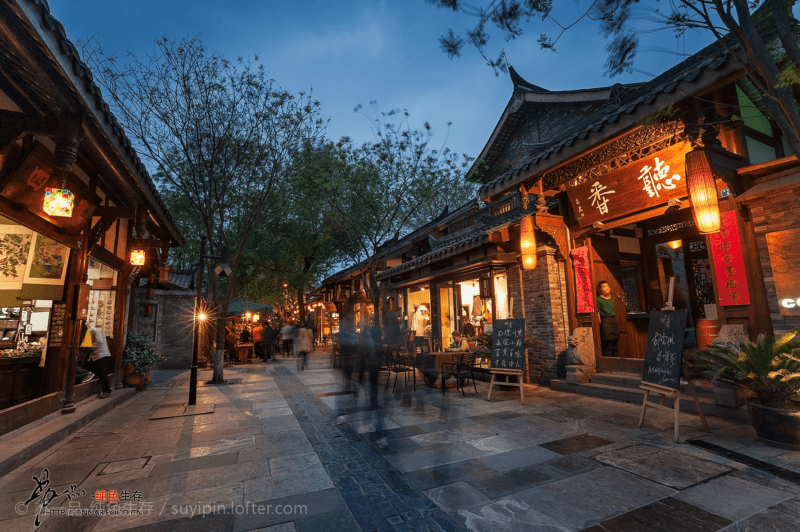 Kuan Zhai Alley 宽窄巷子 in Chengdu 成都 Best Food and Restaurants in China Spoonhunt Travel Food Guide