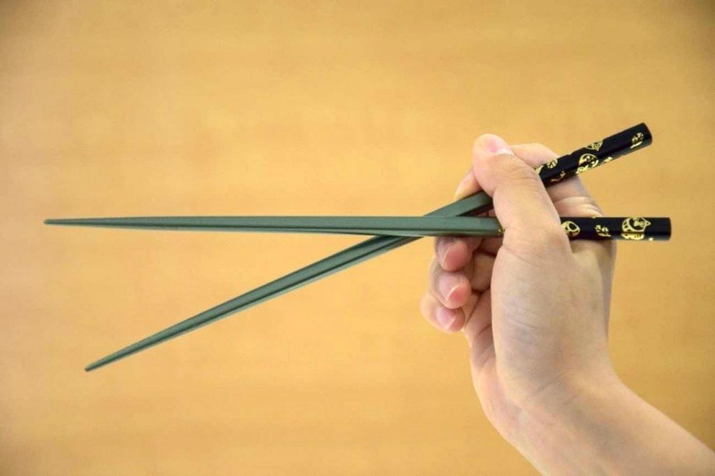 How not to use chopsticks in China