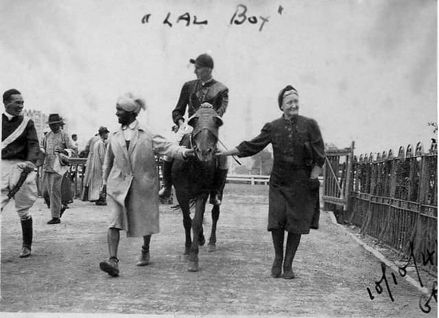 Picture source:scroll.in; Shanghai Race Course 1944