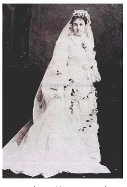 Mary Kellogg, wife of Dr. Yung Wing, at her wedding in 1875. Source: www.120chinesestudents.org
