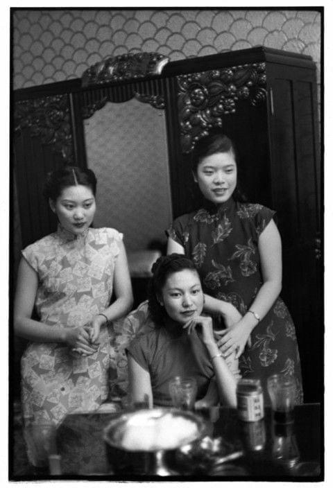 Picture source:Henri-Cartier Bresson; 1949 Shanghai Sing - song girls