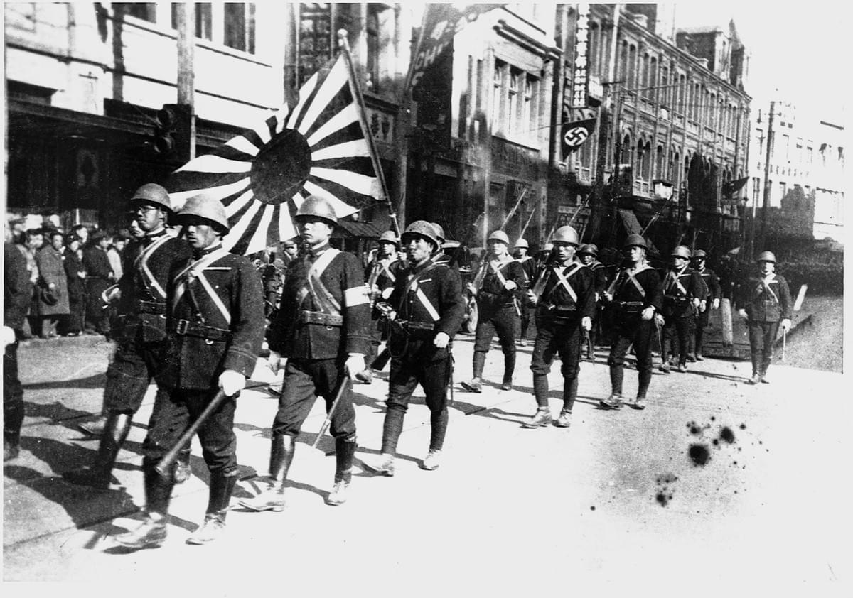 Picture source:lbi.org; Japanese troops enter Shanghai