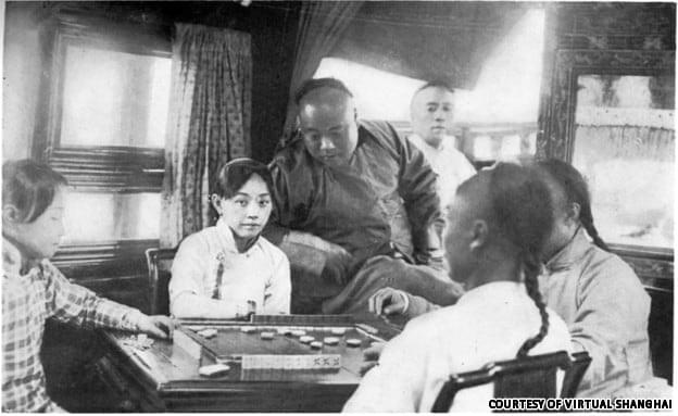 Picture source: shanghaisojourns.com; chinese courtesans playing mahjong