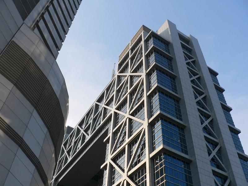 Picture source:Wikipedia; Shanghai Stock Exchange
