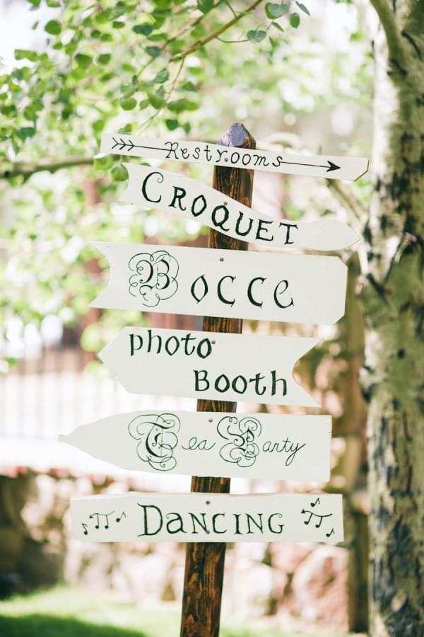 Style Me Pretty - wooden signs