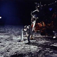 AS11-40-5872 Aldrin erects solar wind experiment