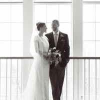Wedding portrait at the First Congregational Church, Nantucket Island.  Photography by Liza Voll.